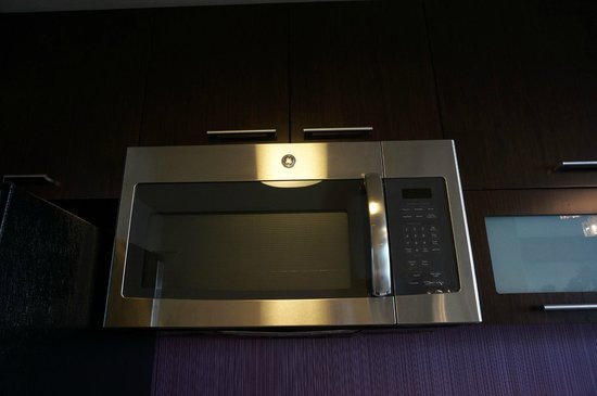 Residence Inn Los Angeles L.A. LIVE : Nice, modern appliances.