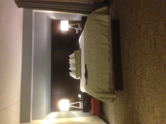 Staybridge Suites Buffalo-Amherst: Bed