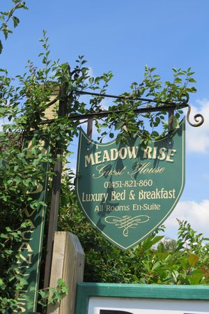 Meadow Rise Guest House : het uithangbord