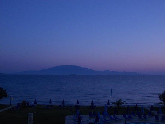 Alykanas Village Hotel: Sunset view from room (Kefalonia)
