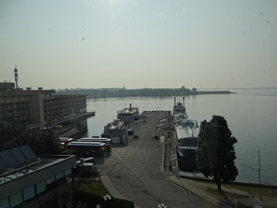 Confederation Place Hotel: View from the room - You take all the boat cruises here