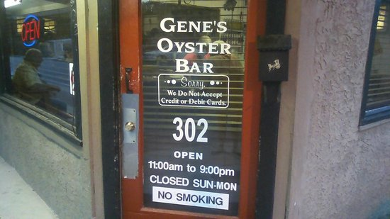 Gene's Oyster Bar : cant believe they have off days,its that good