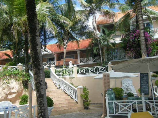 Coco Reef Tobago: Outside of hotel (fronting onto pool and beach)