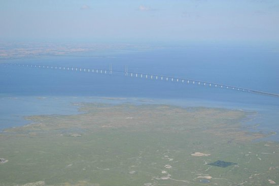 Puente de Oresund: Эресуннский мост из самолета.