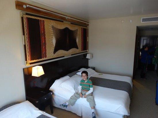 Alejandro 1 Hotel Internacional Salta: Camas habitacion Alejandro I