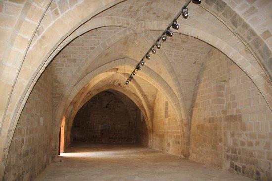Palepaphos, Sanctuary of Aphrodite: комната, где можно посмотреть кино