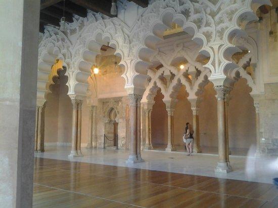 Palacio de la Aljaferia : Precioso !!!
