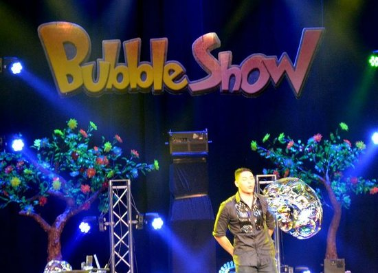 Gazillion Bubble Show - Picture of Dollywood, Pigeon Forge