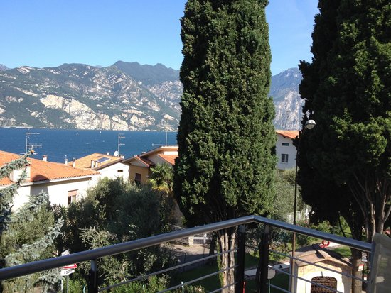Hotel Ariston: View from balcony