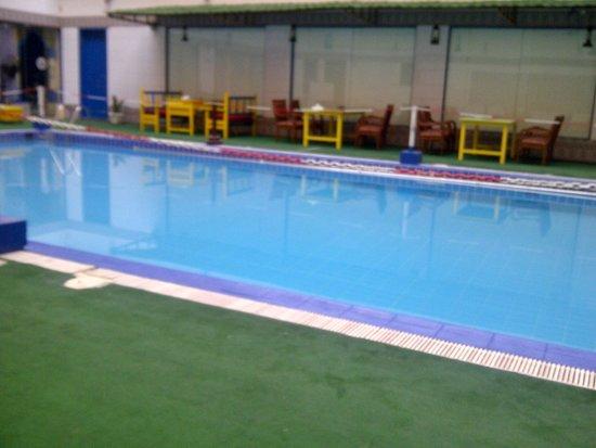 Ramee Guestline Hotel Qurum - Oman : Pool