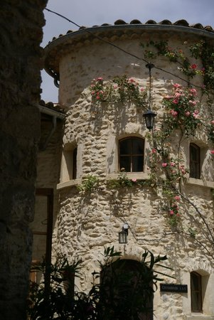 Auberge la Plaine : suberbe renovation, dans la cour intérieure