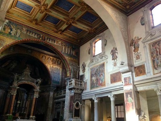 Basilica Di Santa Prassede: veduta d'insieme