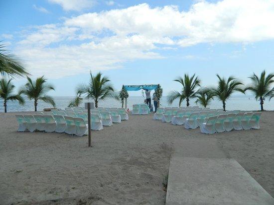Hotel & Club Punta Leona: Beach Wedding