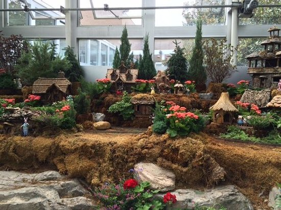 Franklin Park Conservatory and Botanical Gardens : Storybook Display