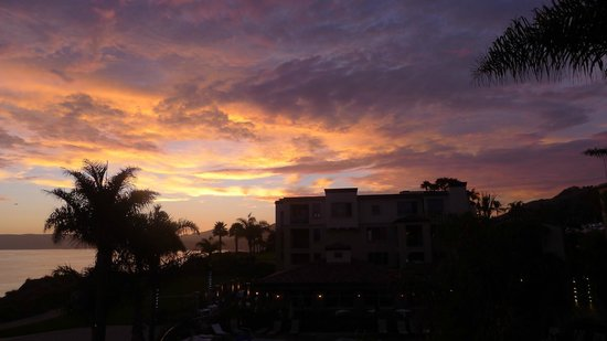 Dolphin Bay Resort & Spa: Stunning sunsets!