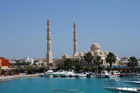 Mahmya Island: Port