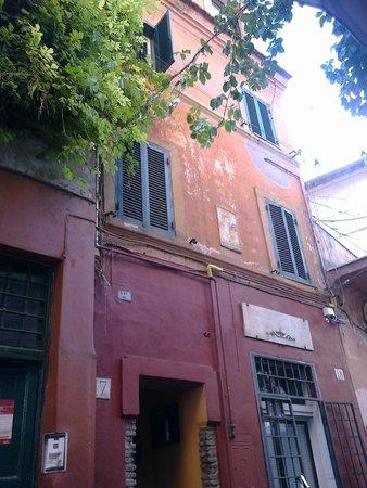 Villa della Fonte Guest House : Udendørs i det gamle Trastevere