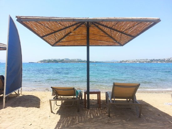 Kefaluka Resort: Beach Area