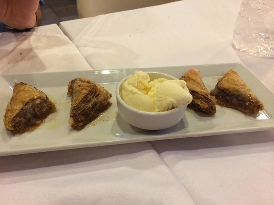 Amedros Cafe & Restaurant: Baklava