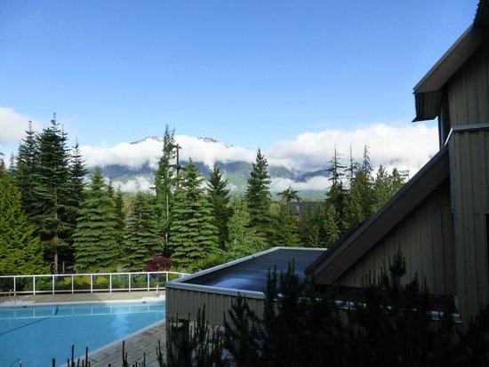 Wildwood Lodge On Blackcomb : View of Blackcomb Mountain