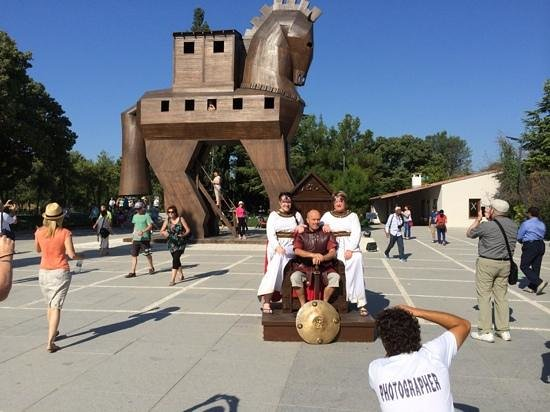 Hassle Free Travel: Some tourist fun before exploring the 'real' Troy