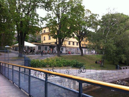 STF af Chapman & Skeppsholmen Hostel : hostel e cafe visto do barco