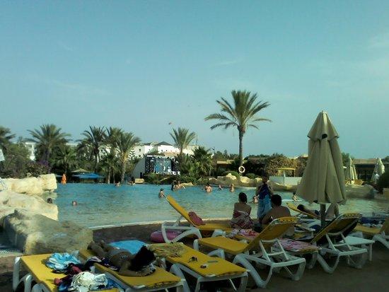 Medina Belisaire & Thalasso : main pool
