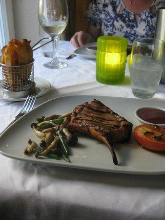 Lion Quays: Dinner ...