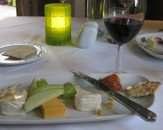 Lion Quays: Cheeses ...