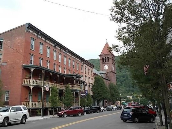 Inn at Jim Thorpe : VIEW FROM ACROSS THE STREET
