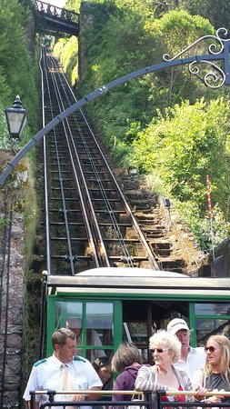 Lynton and Lynmouth Cliff Railway: Going up
