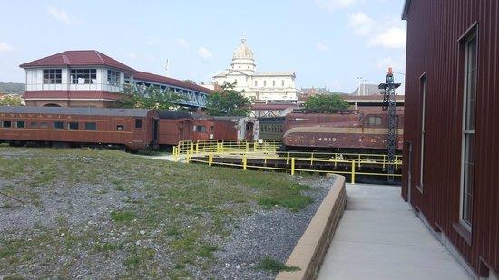 Altoona Railroaders Memorial Museum : Outside view