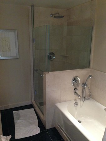 Sofitel Washington DC: Superior King Bathroom