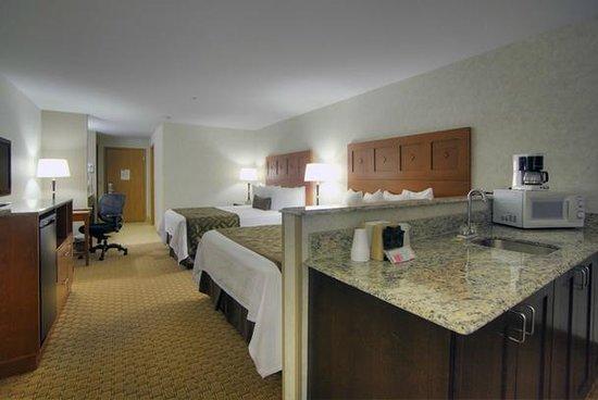 Moab Valley Inn : 2 Queen Suite