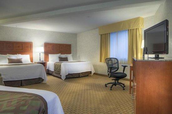Moab Valley Inn : Triple Queen Room
