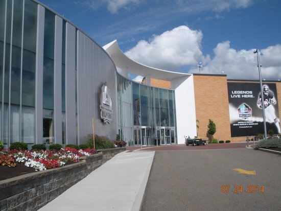 Pro Football Hall of Fame: Building