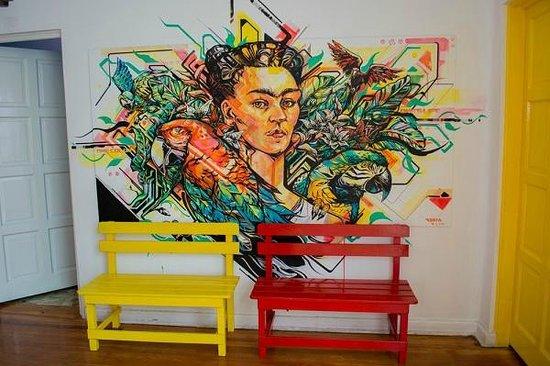 Hostal B&B Dos Fridas y Diego : Frida 2 by Kenta Torii