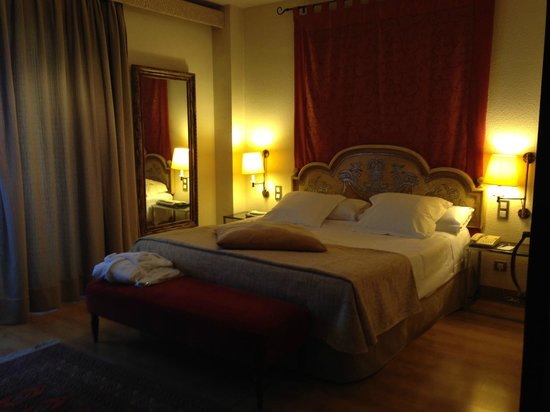 Hesperia Sevilla : The bed was incredibly comfortable