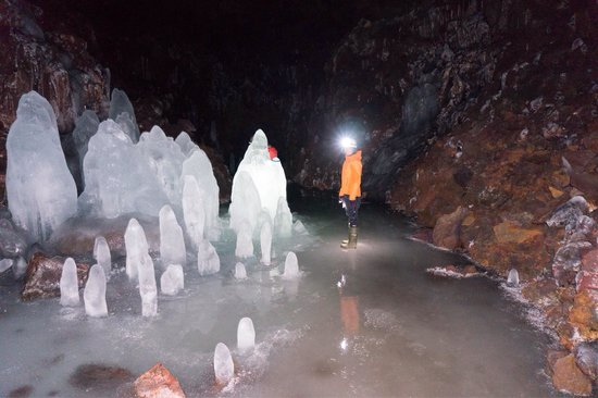 Lofthellir Lava Cave: In the ice cave