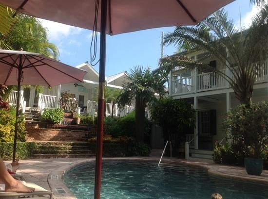 Marquesa Hotel: pool side rooms