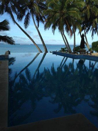 Little Polynesian Resort: Piscina