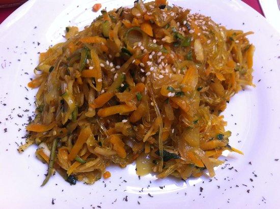 Retro Bar: Sweet potato noodles & summer stir fry veg