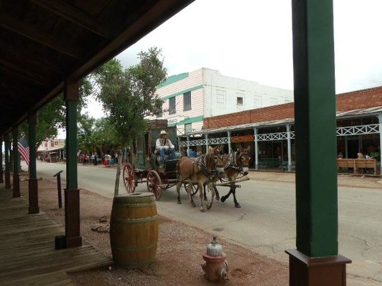 Stampede RV Park and B&B: Tombstone Main Street