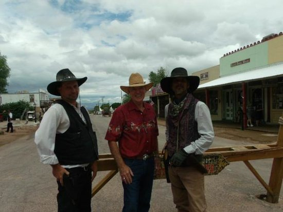 Stampede RV Park and B&B: Main Street Cowboys