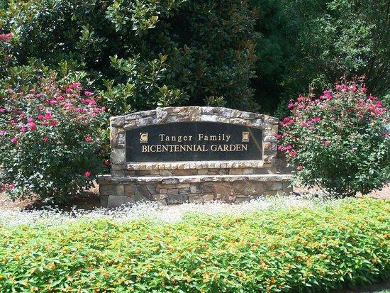 A Bush In Bloom Picture Of Tanger Family Bicentennial Garden Greensboro Tripadvisor