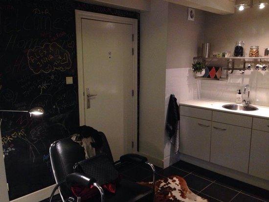 CoHo Apartment Suites: Angolo cottura