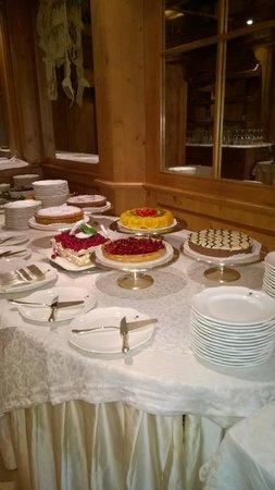 Cristal Palace Hotel: dolci tentazioni a buffet