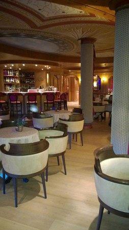 Cristal Palace Hotel: lounge bar