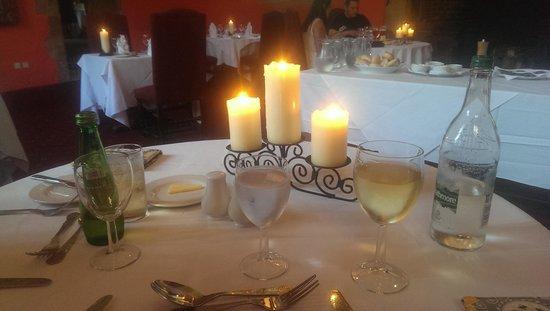 Mercure Telford Madeley Court Hotel: Dinner table