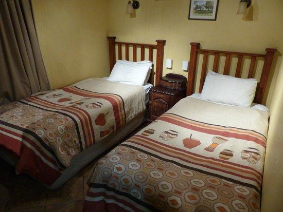 Ardmore Guest Farm: Slaapkamer onder